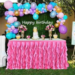 2019 mesa de noiva contornando New Tutu Tabela saia ondulado Folds Design Table Skirt doce elegante para o partido do Valentim Natal do bebê Bridal Showers casamento desconto mesa de noiva contornando
