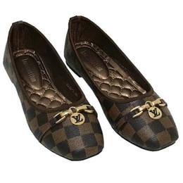 Vendita calda 2018 donne single scarpe moda di lusso testa rotonda scarpe di marca di alta qualità mocassini piatto scarpe casual taglia 35 ~ 42 S20669 cheap moccasin shoes woman da scarpe donna mocassino fornitori