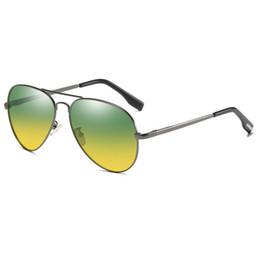 nachtbrille zum fahren Rabatt High-End-Nachtsichtbrillen fahren polarisierte Sonnenbrillen männlicher Fahrer blendfreie Schutzbrillen Tag und Nacht Fahrer Sonnenbrillen neu