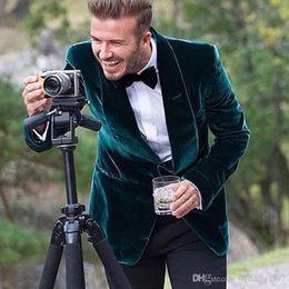 2019 smoking vert décontracté 2018 style décontracté vert velours hommes costumes châle revers un bouton blazer smokings de mariage manteau sur mesure (veste + pantalon) smoking vert décontracté pas cher