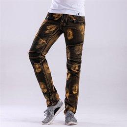 Primavera Mens Vintage Biker Jeans Patchwork Pieghe colore giallo Maschio pantaloni dritti pantaloni Moda Bambino matita