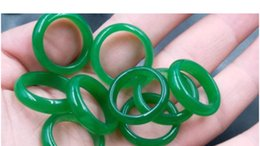 smaragd jade ringe Rabatt NEUES Modell realer Stein smaragdgrüner Jade-Handgravur Ringe Groß- und Kleinhandel geben bester Ring des Verschiffens keinen Kasten frei