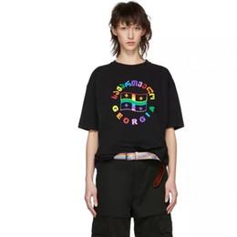 Banderas frescas online-19SS Vetements Rainbow Flag Impreso Moda Camiseta Verano Fresco Transpirable Tee Casual Simple Hombres Calle Manga Corta HFTTTX105