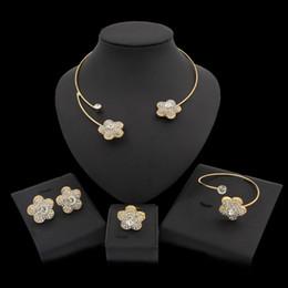 conjunto de jóias de prata de design de flores Desconto Yulaili de Luxo Elegante Jóias Definir Forma Projeto Moda Ouro Flor Cor Prata Cristal Colar Brincos Conjunto de Jóias para as mulheres casamento