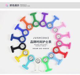 montres de variété Promotion Super pratique infirmière familiale montre de poche pratique pour utiliser une variété de couleurs sur la surface de quartz peut choisir