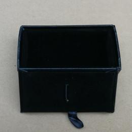 2019 cajas de regalo Nuevos Hombres Rectángulo Negro Faux Leather One One Clips de Corbata Caja 25 unids / lote 8.4x4.5x2.5cm Tie Bar Cajas de Regalo Accesorios cajas de regalo baratos