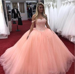 Abiti arancione chiaro online-Abiti Quinceanera Graceful Light Orange Ball Gown Off Shoulder Major Beading Party Prom Gowns Per Sweet 15