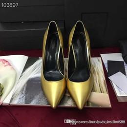 Кожаный вамп онлайн-Классические туфли на высоком каблуке 2019 года из лакированной кожи со структурным металлическим блокирующим каблуком с фирменным знаком и низкими разрезами Vamp, Fashion Style Sanda