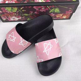 Designer Hausschuhe Männer Licht Flip Flop Frauen Indoor Slide Scuffs Mode Rosa Stern Flache Sandalen Luxus Weiche Gummisohle Mit Tiger Druck