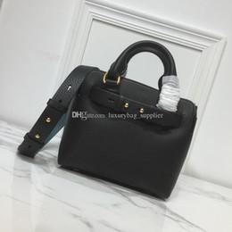 2019 neue stil seitentaschen 2019 Brand Fashion Luxury Bags Designer-Taschen Designer-Handtaschen New Style Hochwertige, weiche, doppelseitige Leder-Umhängetasche mit breiten Trägern günstig neue stil seitentaschen