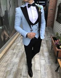 finition noire Promotion Bleu ciel clair Tuxedos Groom Beau garniture Fit Costume De Mariée Tuxedos De Mariage Hommes Costumes pour Le Mariage Pointu Revers Groomsmen Costume Veste Gilet Pantalon