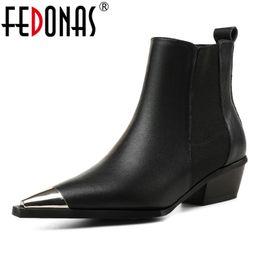 2019 botas de club nocturno FEDONAS Nuevo 2019 Botines de mujer Sexy Metal Toe Otoño Invierno Zapatos de mujer Mujer Night Club Bombas de baile Botas básicas de marca rebajas botas de club nocturno