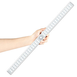 2019 luci led per armadi 20/36/64 LED LED ricaricabile USB sotto la luce dell'armadio PIR Sensore di movimento Armadio Armadio Luce notturna per armadio Armadio Cucina luci led per armadi economici