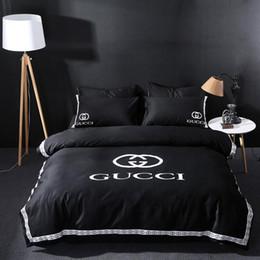 Edredón de marca online-Diseño de marca DoublBedding Set Poliéster Algodón Suave Ropa de cama Funda nórdica Fundas de almohada Juegos de sábanas para la cama Textiles para el hogar Coverlets 4 PC / Lot 555