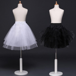 schwarze weiße blumen mädchen kleid Rabatt Schwarze Kinderpetticoats, die Braut-Zusatz-halben Beleg-kleine Mädchen-Krinoline-weißes langes Blumen-Mädchen-formales Kleid unter Rock Wedding sind