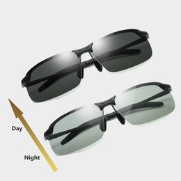 Sonnenbrille verfärbung online-Driving Photochromic Sonnenbrillen Men Polarized Chameleon Discoloration Sonnenbrille für Männer Mode randlose quadratische Sonnenbrille A-762