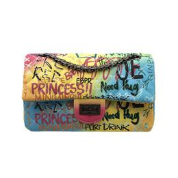 regenbogen schultertaschen Rabatt Mittelgroße bunte Graffiti Regenbogen Tasche für Frauen 2019 Luxus Handtaschen Damen Taschen Designer Lady Crossbody Umhängetaschen