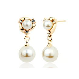 L'Europe et les États-Unis chaud tempérament simple pur cuivre blanc mode perle boucles d'oreilles mode diamant boucles d'oreilles ? partir de fabricateur