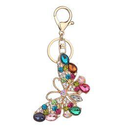 Стразы для ключей для женщин онлайн-Горный хрусталь бабочка брелки Радуга красочные Золотой Моды Кристалл брелок кольца ювелирные изделия подарок автомобиль подвески брелок для женщин сумочка висит