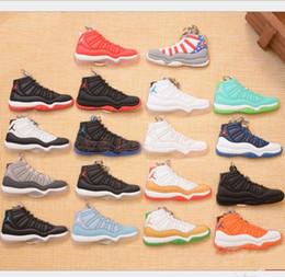 Zapatos de zapatillas de deporte Llavero Zapatos de baloncesto de goma suave Llaveros Accesorios de moda para mujer Hombre Regalos Fans de baloncesto Aficionados desde fabricantes