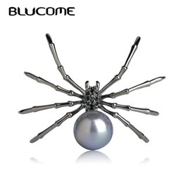 spider woman suits Coupons - spider brooch Blucome Fashion Insects Brooches Copper Gun Black Color Simulated Pearl Spider Brooch Women Kids Coat Suit Clothes Accessories