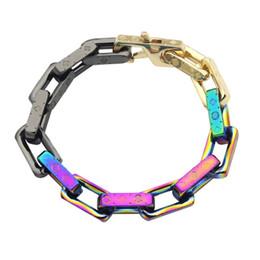 2019 braccialetto in oro smeraldo Trasporto dei monili degli uomini 316L di titanio dell'acciaio 18K placcato oro V lettera colorata dei quattro fogli Fiore Bracciali braccialetto regalo degli amanti