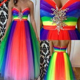 vestidos de tren de arco iris Rebajas Vestidos de fiesta con cuentas de arco iris Vestido de noche sin espalda de cristal de novia Sweep Train Spring Plus Size Vestidos de fiesta formales