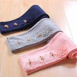 Crianças magras on-line-Crianças leggings primavera outono calças skinny lace floral casual calças para crianças calças skinny frete grátis