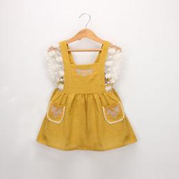 2019 Nouvelles filles coton robe en lin bébé enfants dentelle crochet falbala mouche manches princesse robe childfloral broderie double poche robe F2683 ? partir de fabricateur