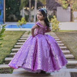 Vestido para a filha prom on-line-Roxo Lantejoulas vestido de Baile Mãe e Filha Flor Meninas Vestidos 2020 Fora Do Ombro Barato Prom Formal Vestido de Festa Vestidos Pageant