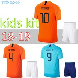 18 19Netherlands Kids Kit V.PERSIE Holland MEMPHIS Kids Soccer Sets  SNEIJDER Children Football Uniforms BERGWIJN WIJNALDUM Youth 9f7cf3e5c