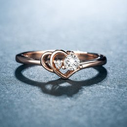 2019 anillos en forma de corazón de oro rosa Huitan oro rosa anillo de boda de color para las mujeres en forma de corazón con brillante CZ piedra romántica anillo nupcial venta directa de la fábrica rebajas anillos en forma de corazón de oro rosa