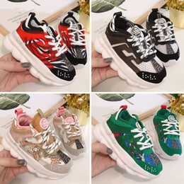 Nuevos zapatos de llegada para niños online-Versace Chain Reaction Cross Chainer 2020 nueva llegada Reacción en Cadena de zapatos casuales para niños negros blancos formadores Moda rosa corriendo deportes de los niños