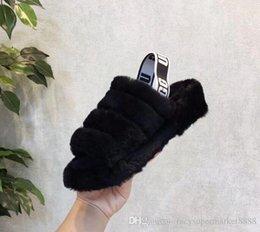 2019 botas negras planas del tobillo del negro de las señoras Hot Women Australia Fluff Yeah Slide Diseñador de marca de lujo Zapatos casuales Botas para Wgg Zapatos de mujer Explosiones de otoño e invierno Us5-10