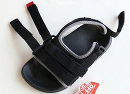 Nuevo Barato al por mayor 4 modelos de colores para niños Sandalias Moda infantil Zapatillas de verano Zapatillas de playa para niños y niñas Trendy Sports Beach sa desde fabricantes