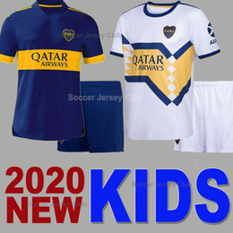 white boy kit Rabatt 2020 Kids Kit Boca Juniors Fussball Jersey Camiseta de Rossi Tevez Maradona Mauro Kind Neuer Sponsor Away White Football Hemd Jungen Set