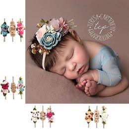 Bastoni di fiori artificiali online-Fascia per capelli della ragazza della neonata dei capretti della ragazza dei capretti della ragazza del fiore della ragazza dei capelli della foto della cuffia della foto