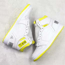 classes de designer Desconto Novo 1 s tênis de basquete voo de primeira classe Lemon Yellow Boarding Pass Original Designer de moda Mens tênis de basquete