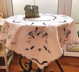2019 quadratische stickerei tischdecken Heiße moderne Satin-Stickerei-Tischdecken-Spitze-Quadrat-Ostern-Kaffeetabellen-Tuch-Abdeckungs-Mantel-Nappe Hauptweihnachtshochzeits-Dekor rabatt quadratische stickerei tischdecken