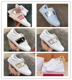 spike shoes athletics Coupons - Valentine Designer Shoes Fashion Luxury Mans Womans Brand Casual Shoes Spike High Quality Fashion Leisure Athletic Skateboarding Shoes 005