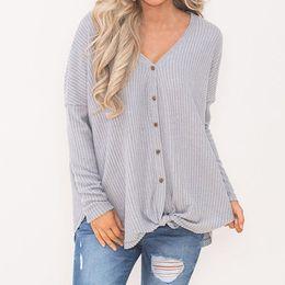 2019 chemisier uni Les femmes lâche tunique en tricot Blouse noeud Henley Tops Bat Wing hiver vêtements de mode bouton Casual Chemises Plain Sweatshirt chemisier uni pas cher