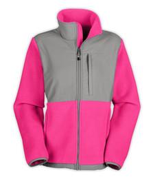Sportswear de alta qualidade on-line-Velo das mulheres de Nova Inverno Casacos Casacos de alta qualidade Marca à prova de vento quente Soft Shell Sportswear Mulheres Homens North Coats