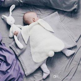 2019 bunny baby bettwäsche neue 6 Farben 105 * 75cm Babydecken IN-Kaninchen-Ohr Swaddling gestricktes Tier Bedding Kleinkind-Mode Swaddle Newborn Häschen Decke 20pc wn397 rabatt bunny baby bettwäsche