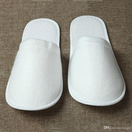 Anti chinelo on-line-Atacado Travel Hotel SPA Anti-derrapante Disposable Chinelos Home Guest Shoes Multi-cores respirável macio Disposable Chinelos DH0606