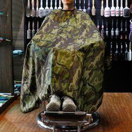 Capes de coiffeur en Ligne-Camouflage Capes De Coupe De Cheveux Barbershop Coiffure Tissu Imperméable Cheveux Anti-Adhésifs Anti-statique Salon De Coiffure Tissu Tendance De La Mode