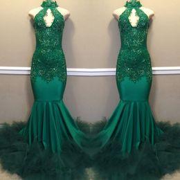 Abiti di promenade in sequined smeraldo online-Emerald Green Sexy Collo alto Appliqued Prom Dresses 2019 Mermaid Hollow Paillettes Abiti da sera lunghi per il vestito da spettacolo africano nero BC1811