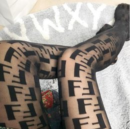 2019 Calzini da donna di marca F Leters Calzini con logo popolari Nuove donne Calze di moda sexy Colore nero Calzamaglia da club per ragazza Calza da donna da calze rosse calze fornitori