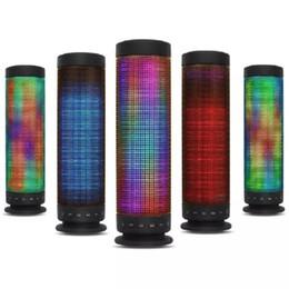 usb klingt karte Rabatt LED-Lampe Lautsprecher HD Surround Sound Drahtlose Bluetooth-Lautsprecher Unterstützung 5 Farben Licht Bass FM Radio TF-Karte Freisprechanruf AUX Loudspeak