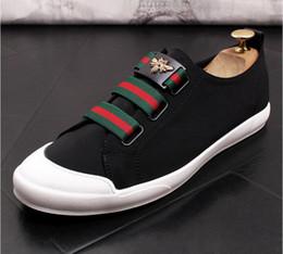 Ventes chaudes luxe Mode Hommes Chaussures De Conduite Chaussure Italien Mocassins Habillés Habits De Mâle Soirée De Noce Chaussures de Mariage M583 ? partir de fabricateur