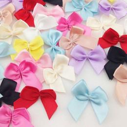 2020 rubans de satin 30 PCS / Lot bricolage fleurs Artisanat mariage de fête d'anniversaire Décoration Mini satin ruban Fleurs Bows cadeau Accessoires de vêtement rubans de satin pas cher